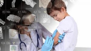 Autismo y vacunas: imagen de un niño recibiendo vacunas
